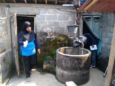Kegiatan PSN (Pemberantasan Sarang Nyamuk) di Dusun Mulekan II Tirtosari