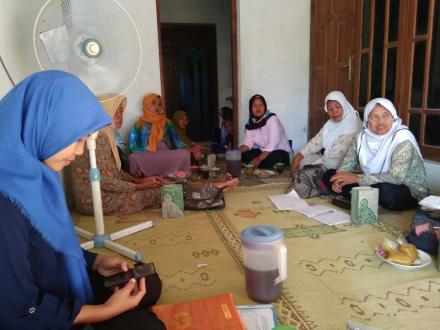 Pertemuan Kader PPKBD dan sub PPKBD Desa Tirtosari