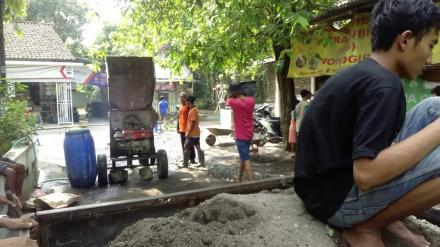 Perbaikan Jalan Dusun Masan Desa Tirtosari